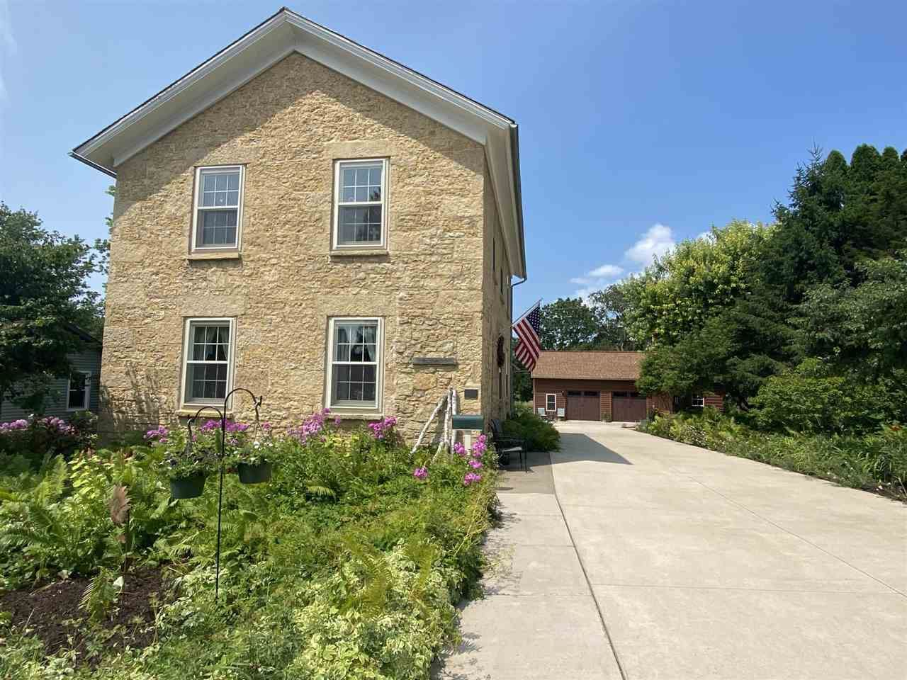 914 N Bequette, Dodgeville, WI 53530 - #: 1915413