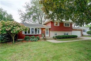 Photo of 608 5th St, Waunakee, WI 53597 (MLS # 1869414)