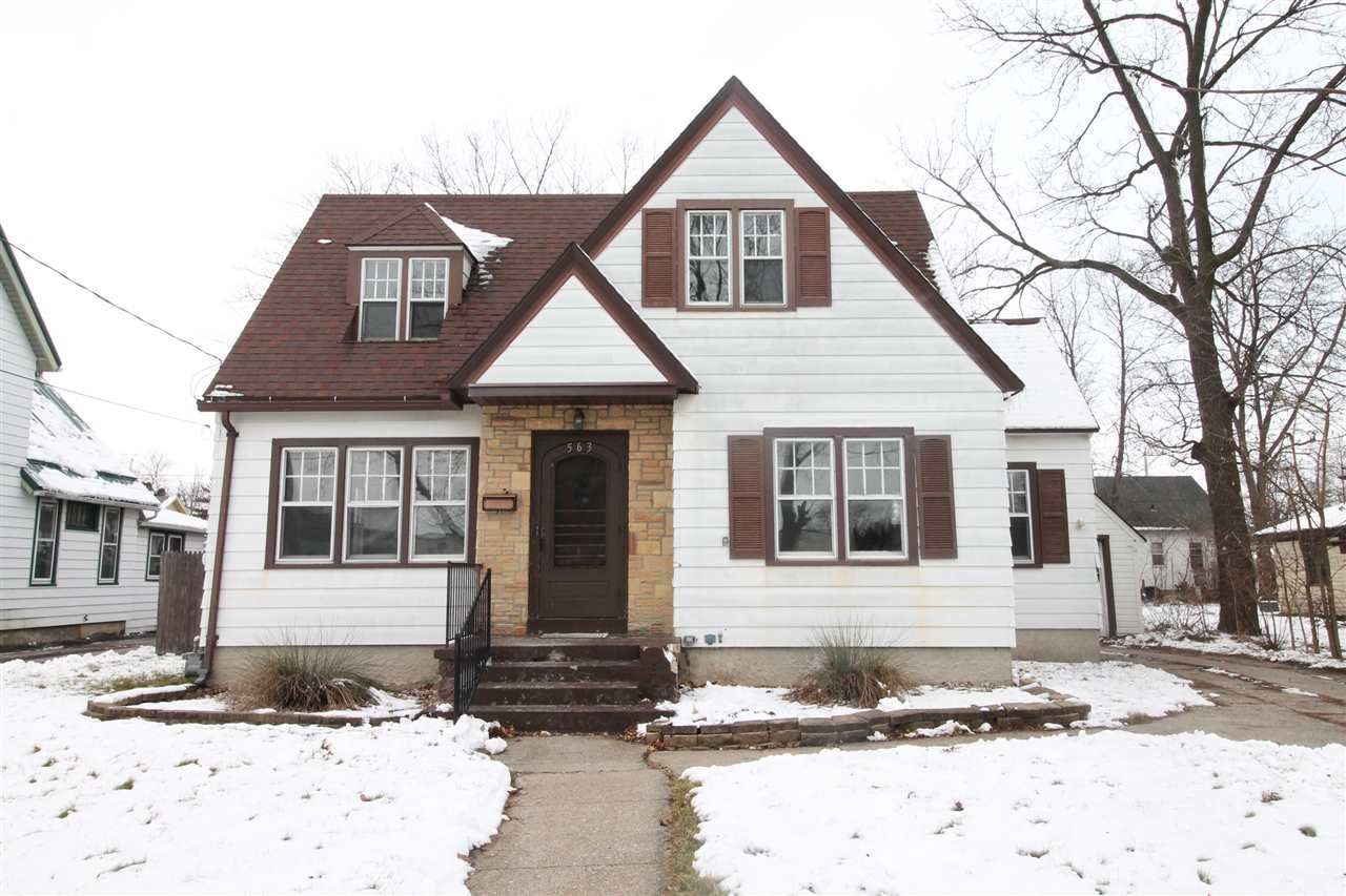 563 N Pearl St, Janesville, WI 53548 - #: 1899414