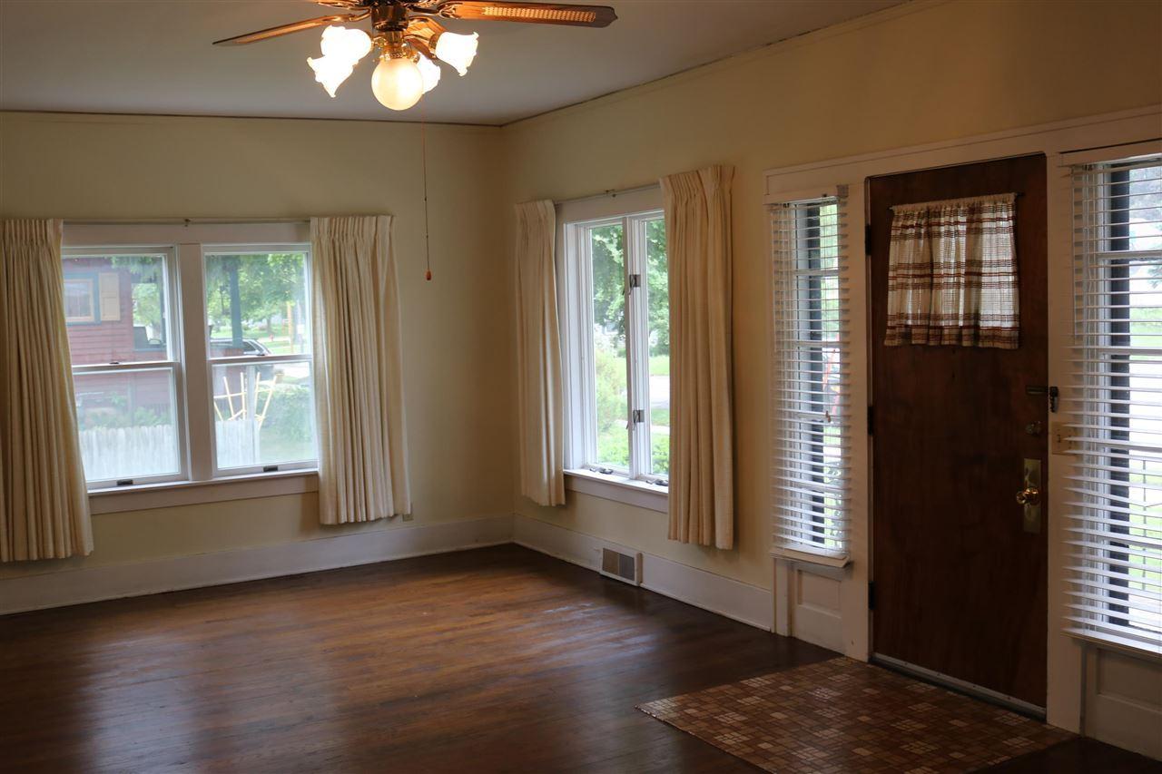 f_1910417_01 Real Estate in 53534 zip code