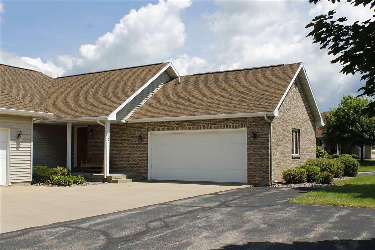 624 Prairie Hills Dr, Dodgeville, WI 53533 - #: 1889418