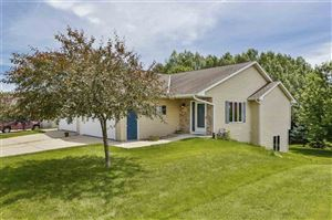 Photo of 2211 Wood View Dr, Stoughton, WI 53589 (MLS # 1862419)