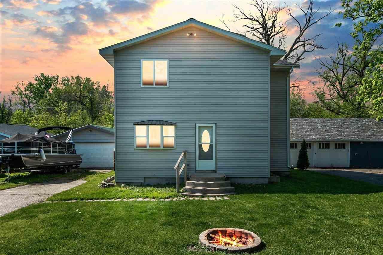 f_1912419_02 Real Estate in 53534 zip code