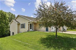 Photo of 2209 Wood View Dr, Stoughton, WI 53589 (MLS # 1862421)