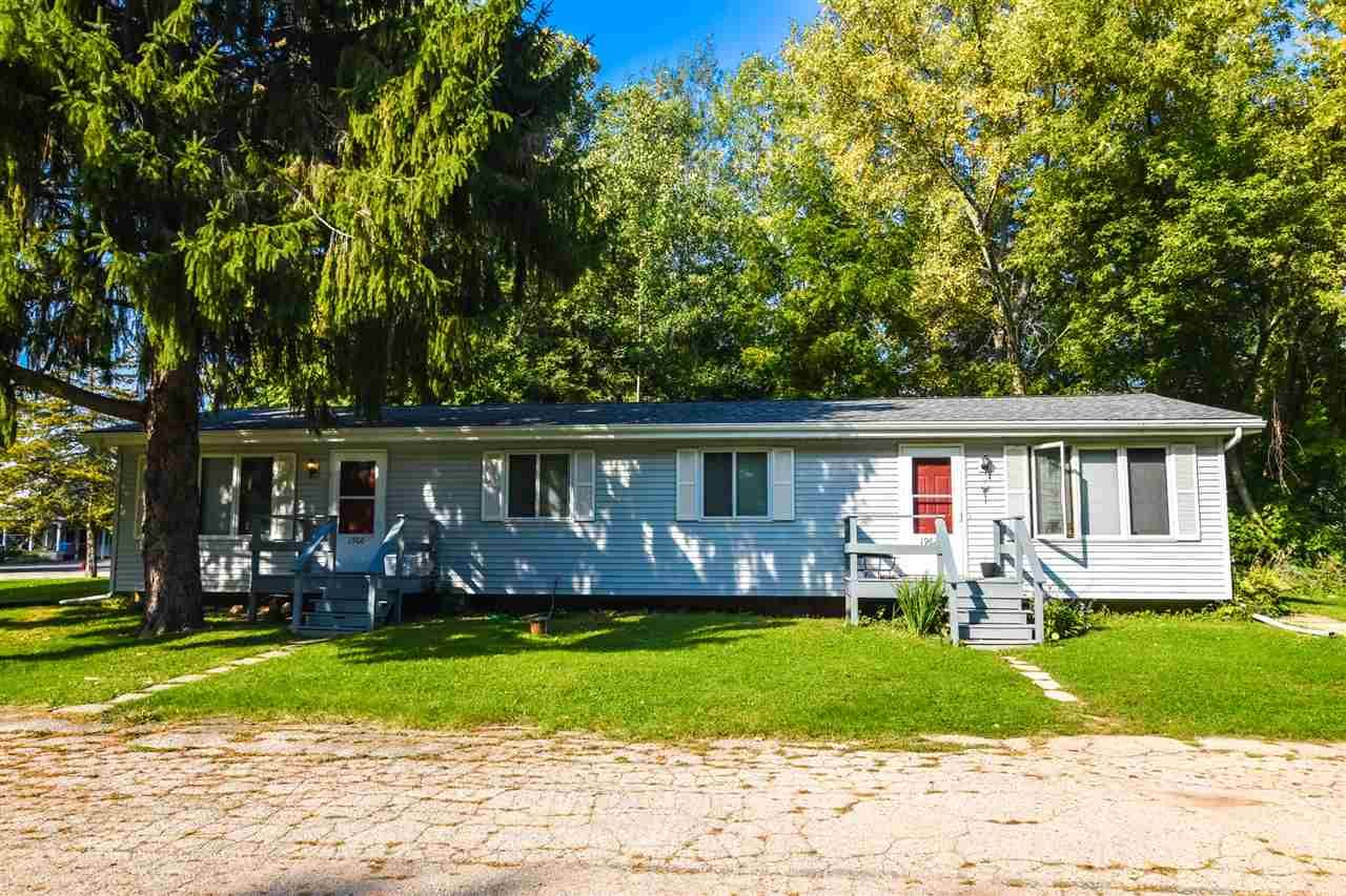 W1960-W1962 S Lawson Dr, Green Lake, WI 54941 - MLS#: 1887422