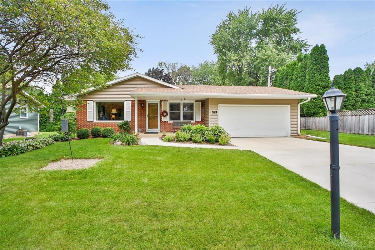 4710 Bunker Hill Ln, Madison, WI 53704 - #: 1918422