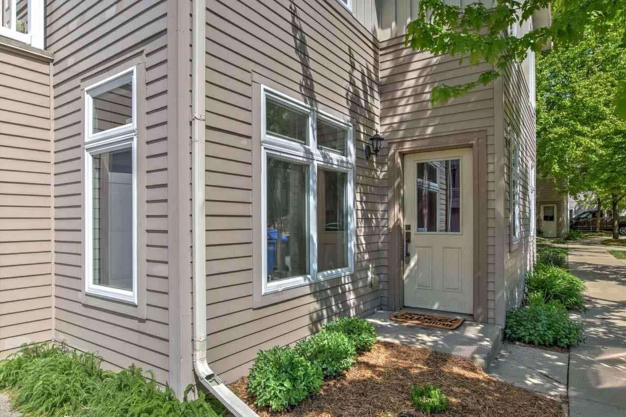 5334 Lake Park Blvd, Madison, WI 53713 - #: 1909424