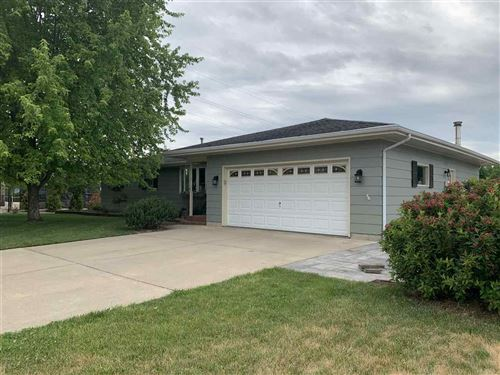 Photo of 2621 Mineral Point Ave., Janesville, WI 53545 (MLS # 1912425)