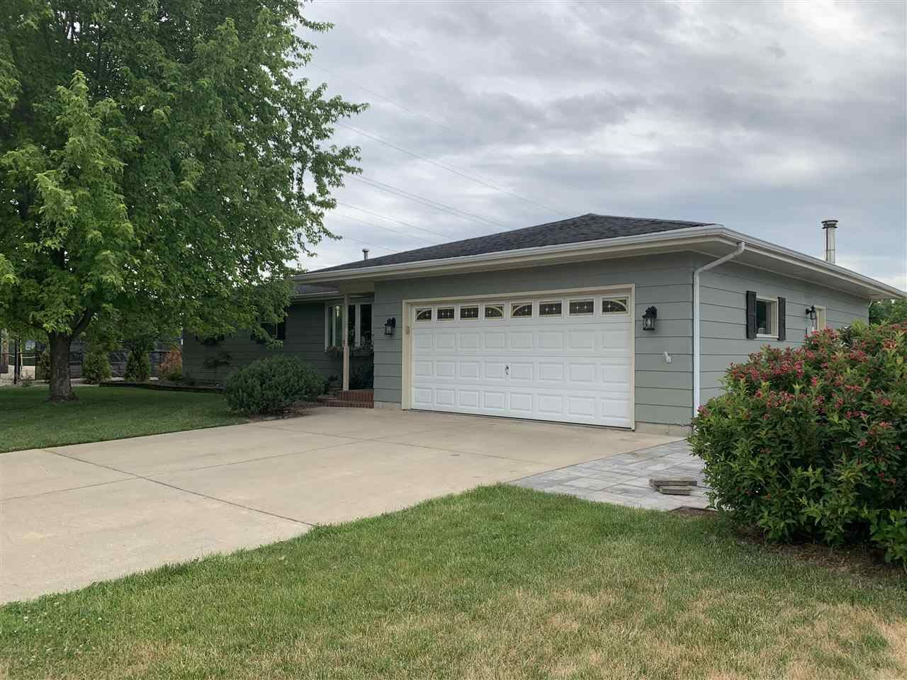 2621 Mineral Point Ave., Janesville, WI 53545 - #: 1912425
