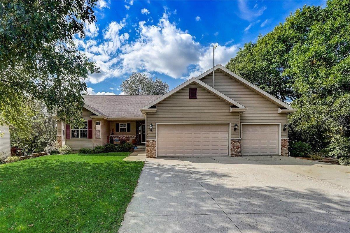 N2721 Grove Rd, Lodi, WI 53555 - #: 1920425