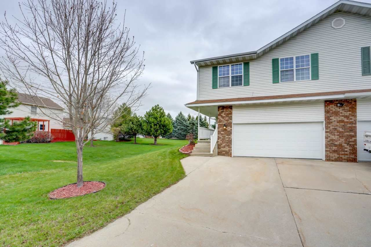 916 Sunset Dr #B, Cottage Grove, WI 53527 - #: 1906429