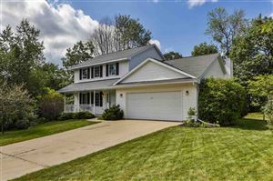 Photo of 1624 Erin Hill Dr, Stoughton, WI 53589 (MLS # 1863431)