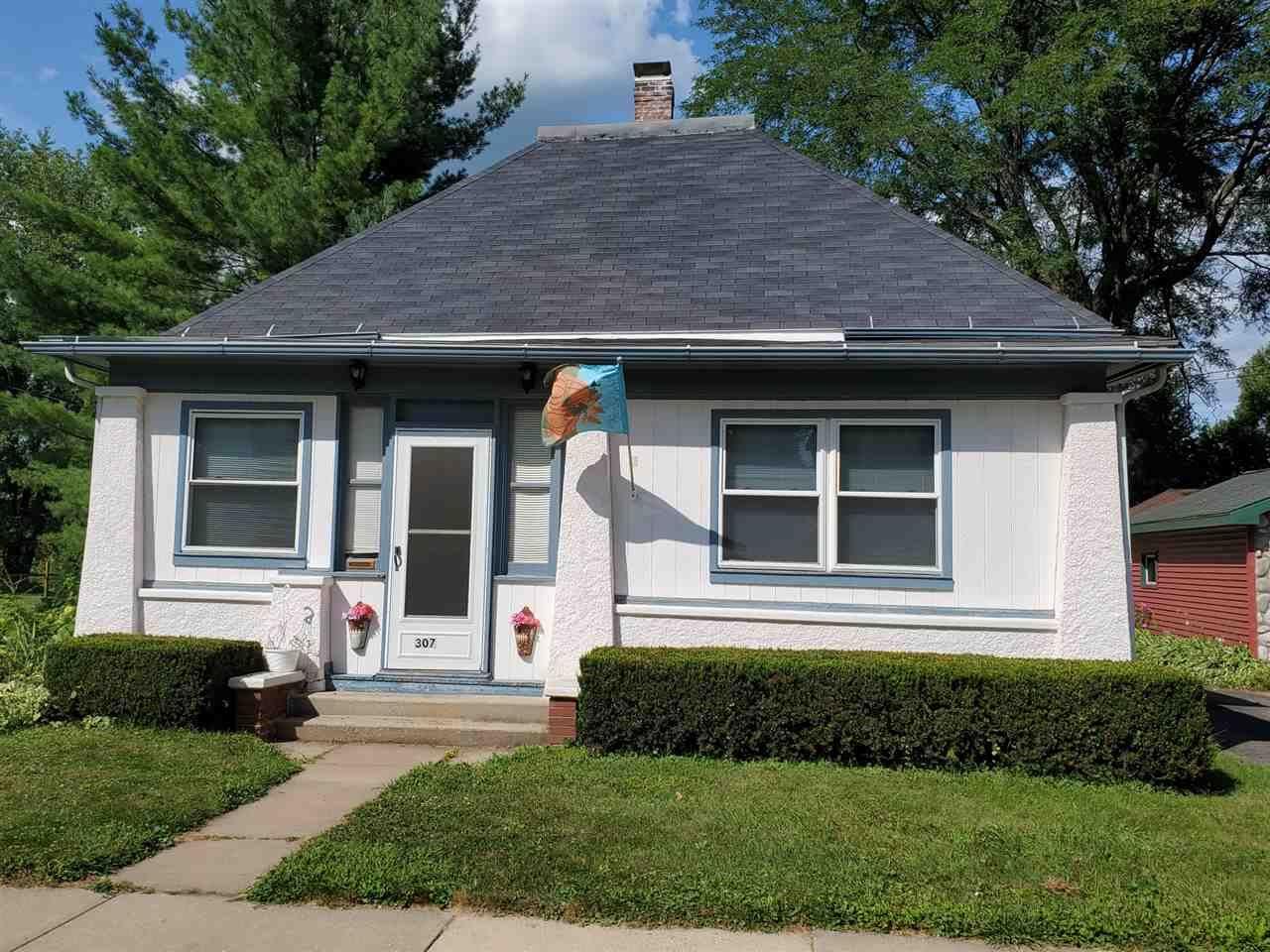 307 Tremont St, Mauston, WI 53948 - #: 1890435