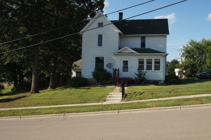 280 Pine St, Platteville, WI 53818 - #: 1888436