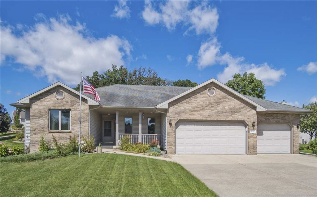 6102 Cottontail Tr, Madison, WI 53718 - #: 1867438