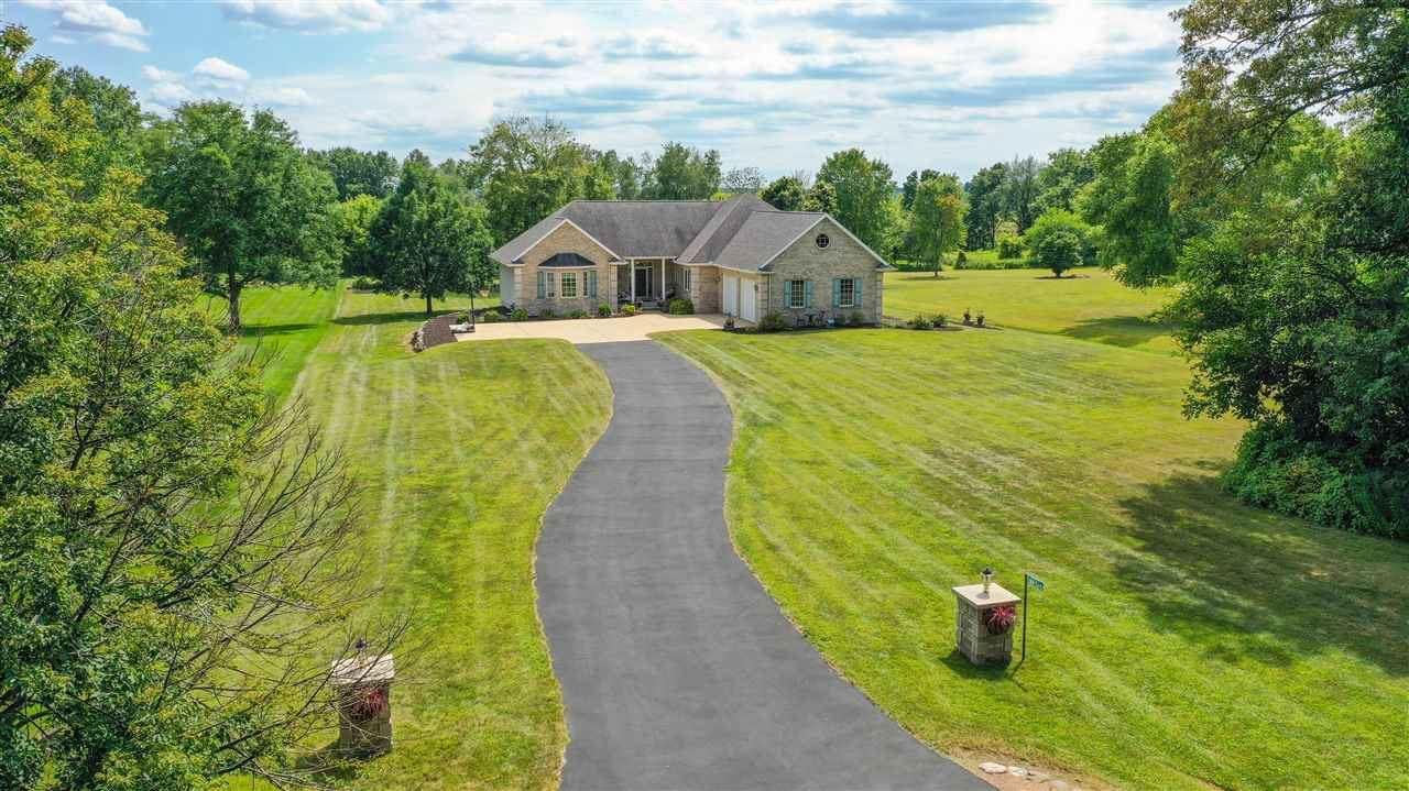 W8365 Bedrock Rd, Portage, WI 53901 - #: 1890439