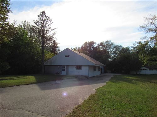 Photo of 3224 S Oakhill Ave, Janesville, WI 53546 (MLS # 1920440)