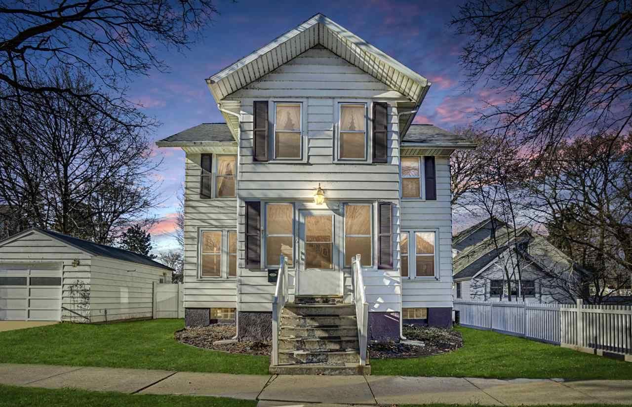 316 N Prairie St, Stoughton, WI 53589 - #: 1898440
