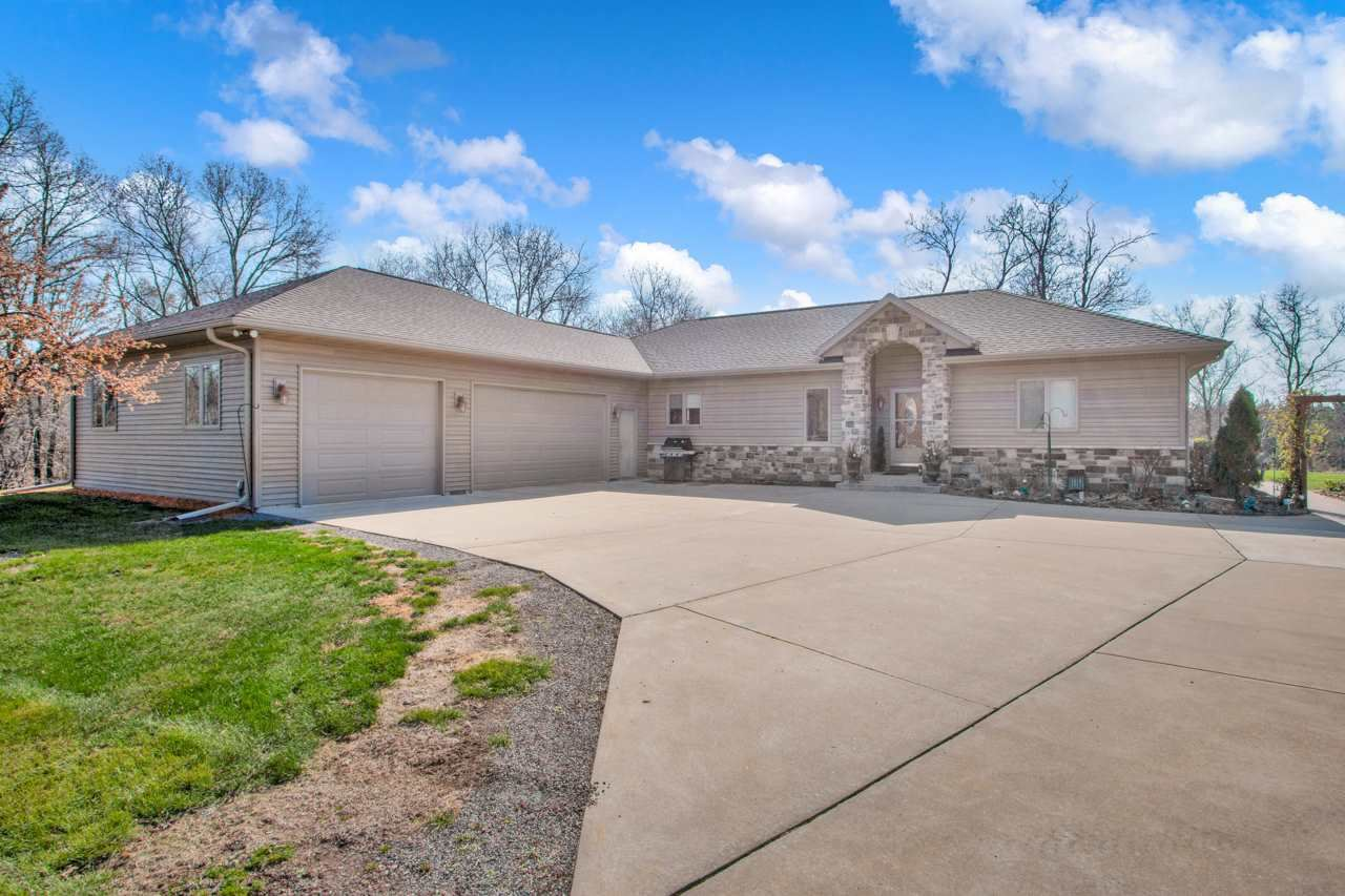 524 Regal Forest Tr, Nekoosa, WI 54457 - #: 1906442