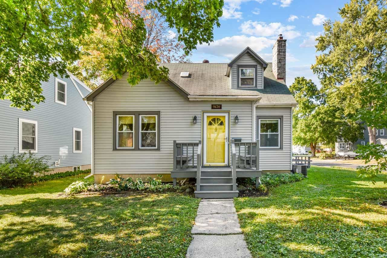 Photo for 1438 Hooker Ave, Madison, WI 53704 (MLS # 1921445)