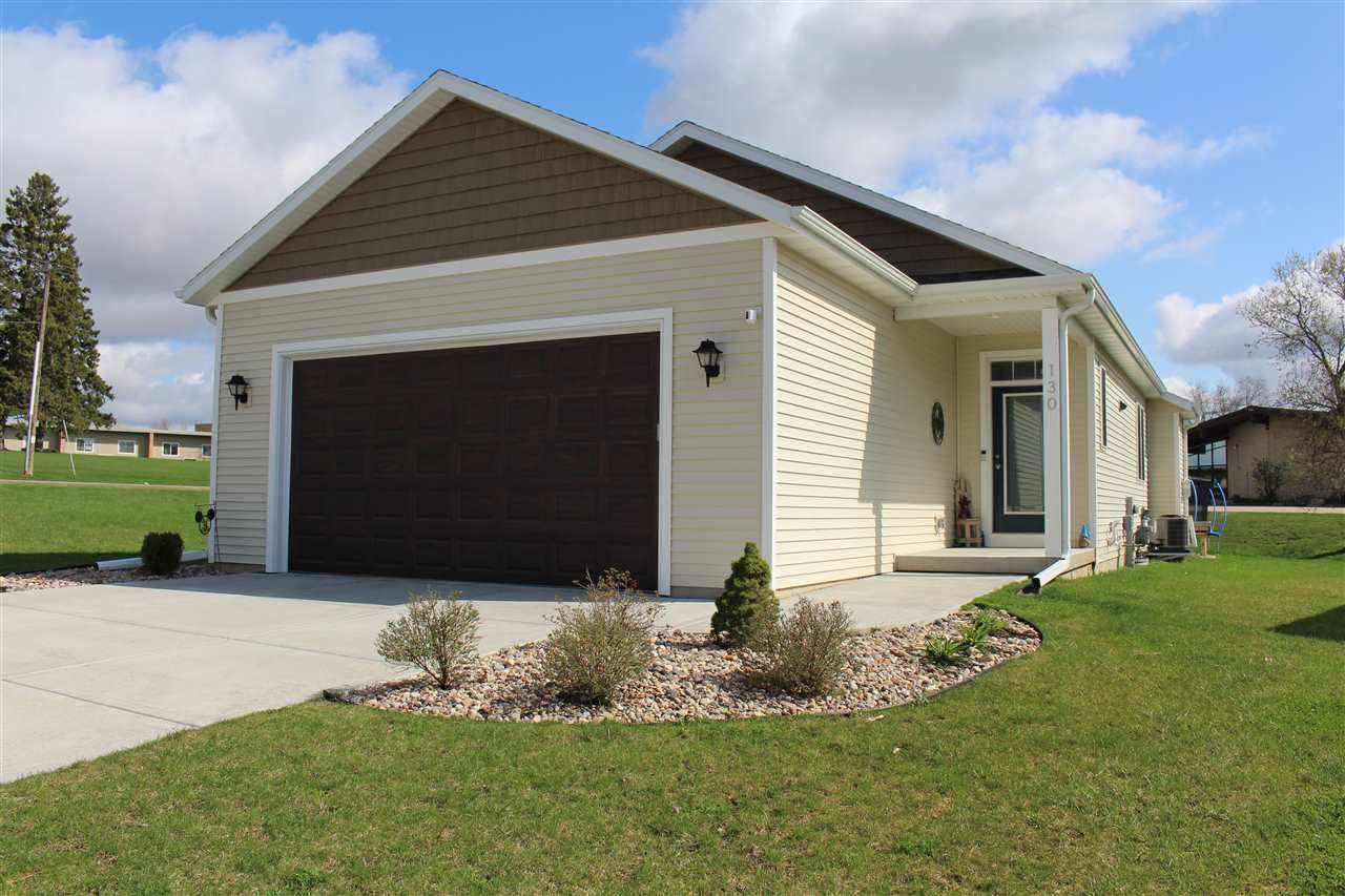 130 Red Bud Tr, Columbus, WI 53925 - #: 1906446