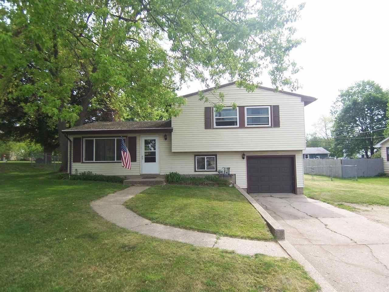 2425 Prairie Ave, Beloit, WI 53511 - #: 1909448