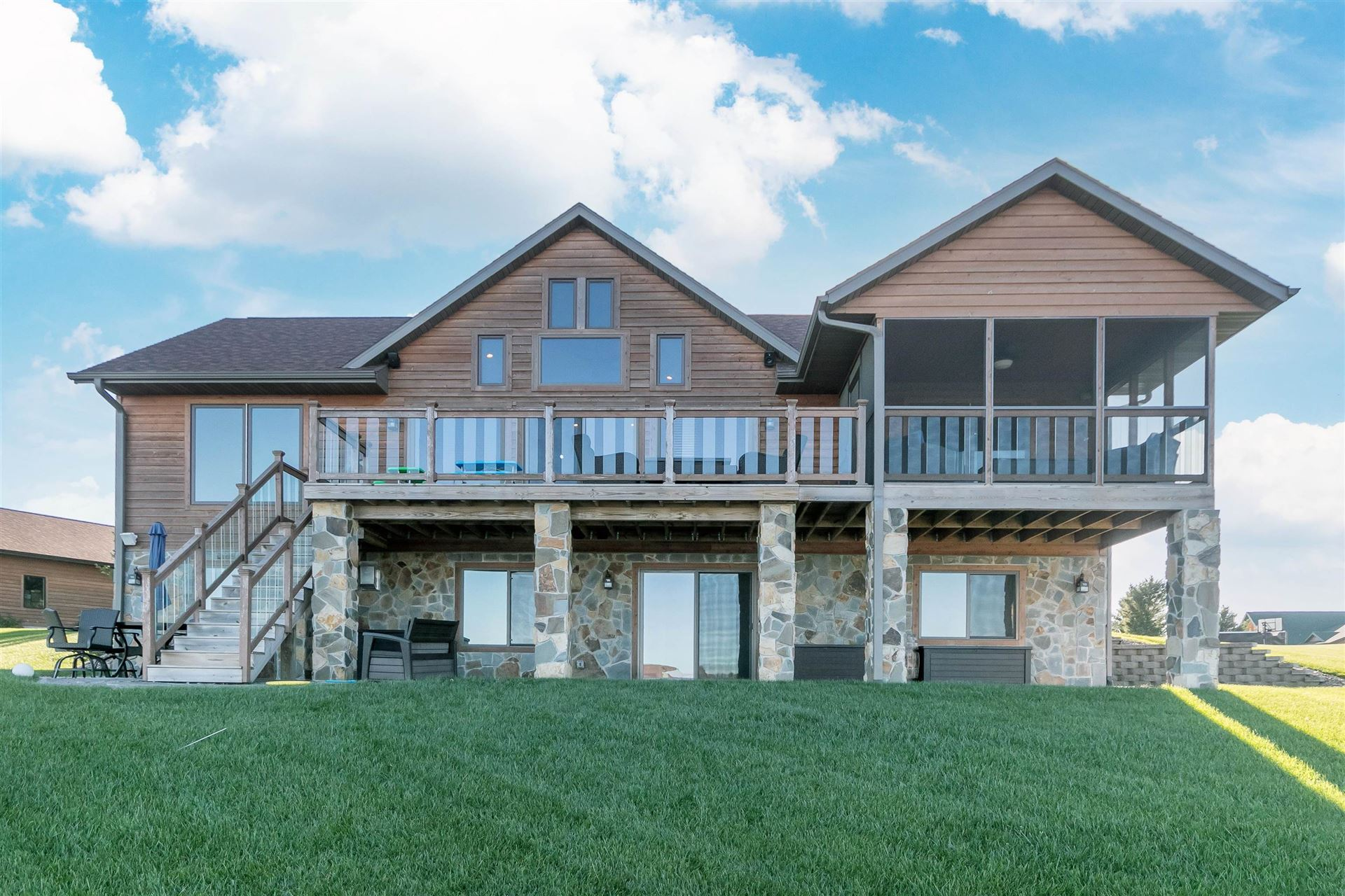 N8428 Lookout Point Ct, New Lisbon, WI 53950 - #: 1922450