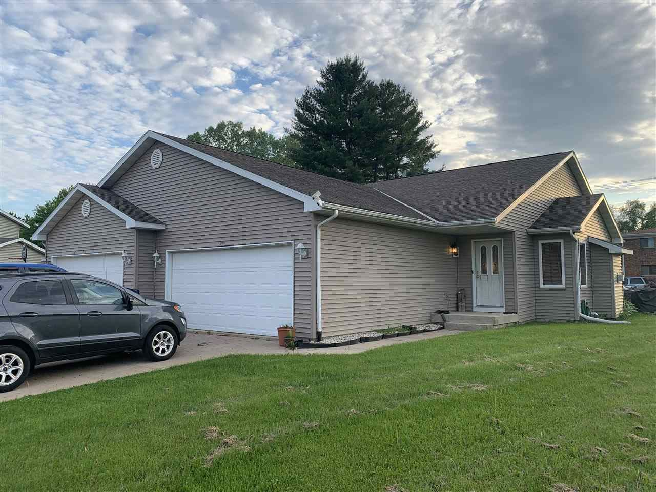 240 Niehoff Dr, Fall River, WI 53932 - #: 1910455