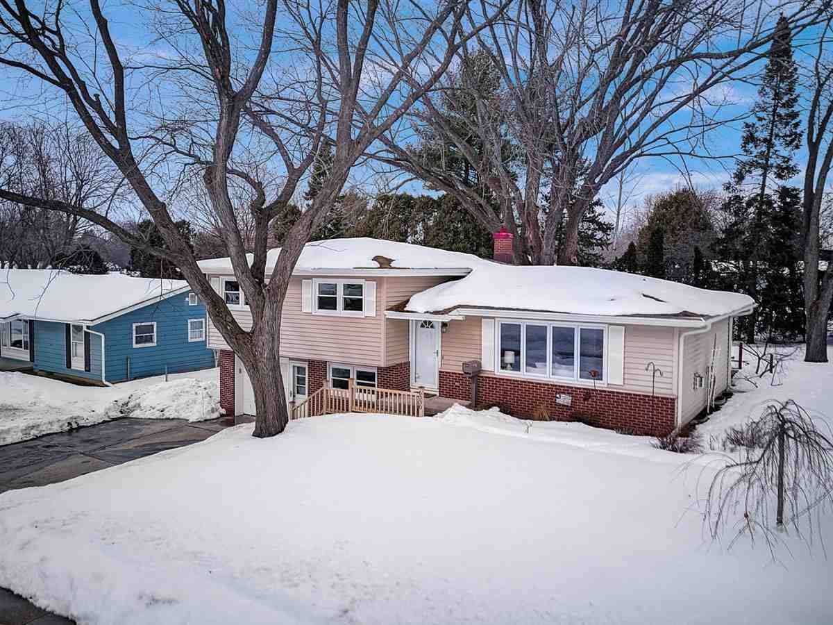 6330 Shoreham Dr, Madison, WI 53711 - #: 1902458