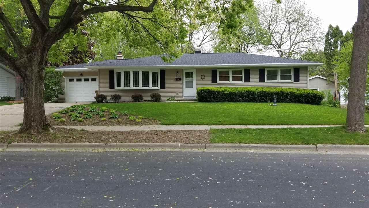 5110 Holiday Dr, Madison, WI 53711 - #: 1909459