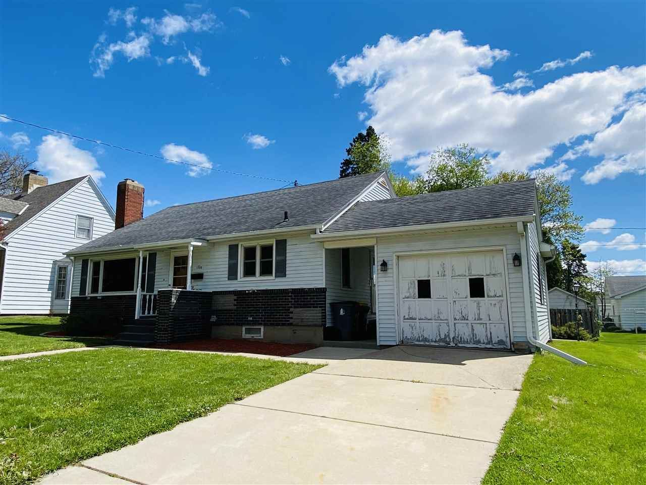 1706 20th Ave, Monroe, WI 53566 - #: 1908462
