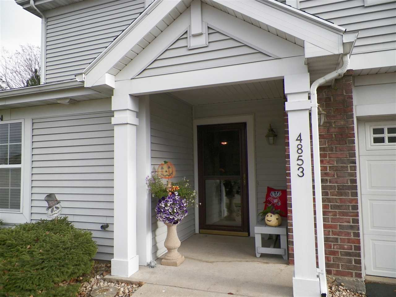 4853 Poplar Creek Dr, Madison, WI 53718 - #: 1896463