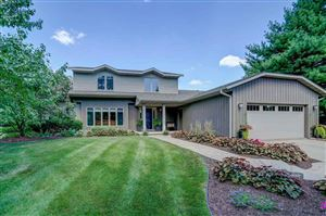 Photo of 18 W Newhaven Cir, Madison, WI 53717 (MLS # 1865467)