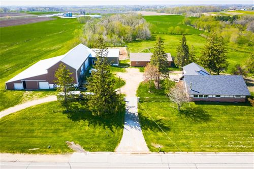 Photo of W3839 State Road 33, Horicon, WI 53032 (MLS # 368469)
