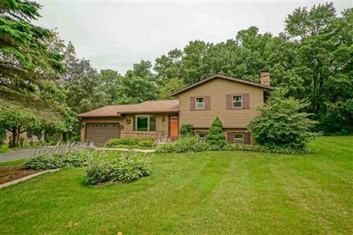 Photo of 3758 Sunny Wood Dr, DeForest, WI 53532 (MLS # 1914472)