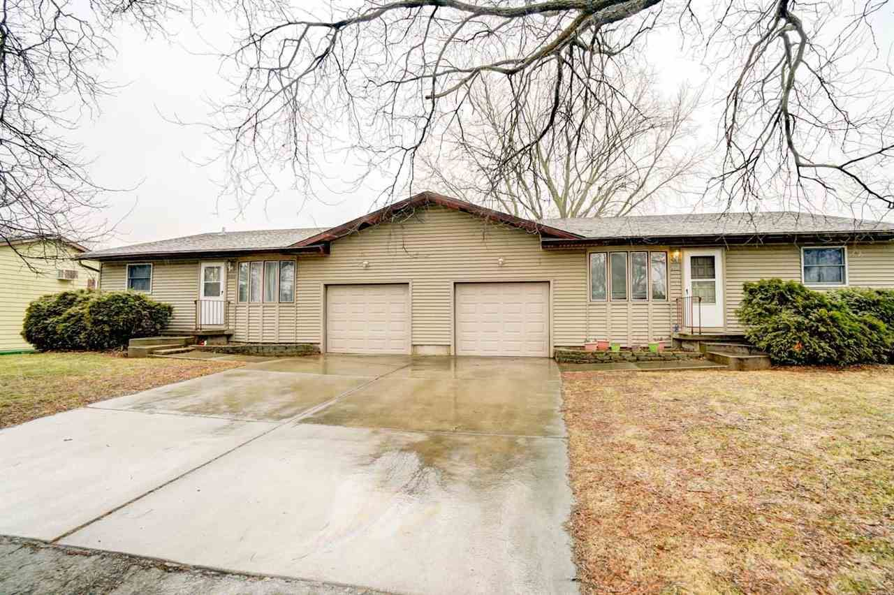 6837-6839 Sunset Meadow Dr, Windsor, WI 53598 - #: 1879473