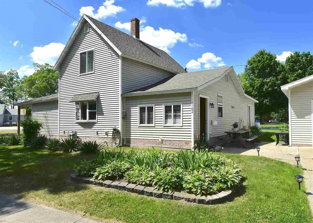 1102 Elm St, Wisconsin Dells, WI 53965 - #: 1911473
