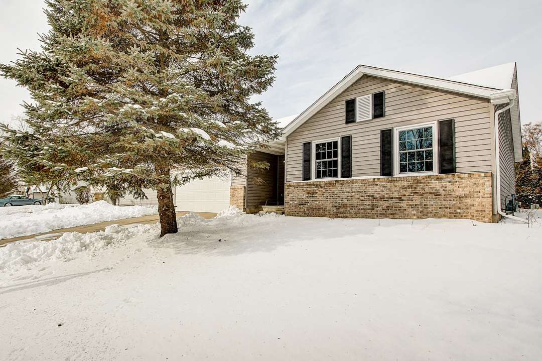 502 Engelhart Dr, Madison, WI 53713 - #: 1875475