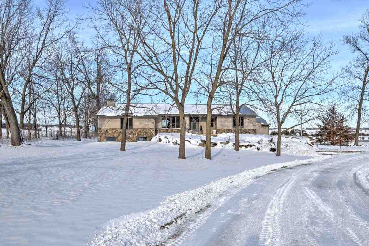 Photo for 4168 County Road J, Mount Horeb, WI 53572 (MLS # 1899475)