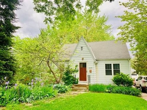 Photo of 225 W Sunset Ct, Madison, WI 53705 (MLS # 1887477)