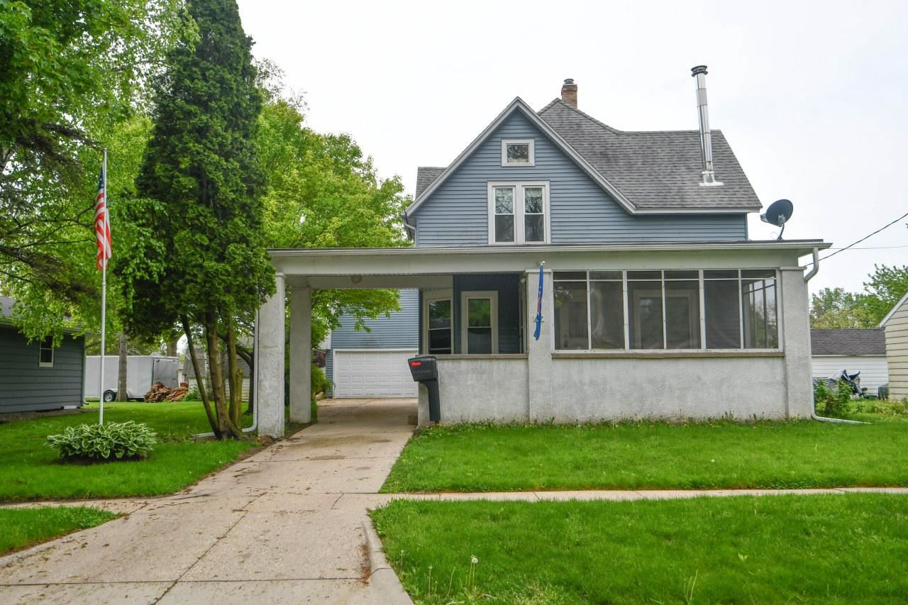 817 Dempster St, Fort Atkinson, WI 53538 - #: 368480