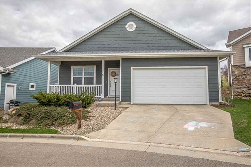 Photo of 15 Wood Haven Way, Fitchburg, WI 53711-5527 (MLS # 1905481)