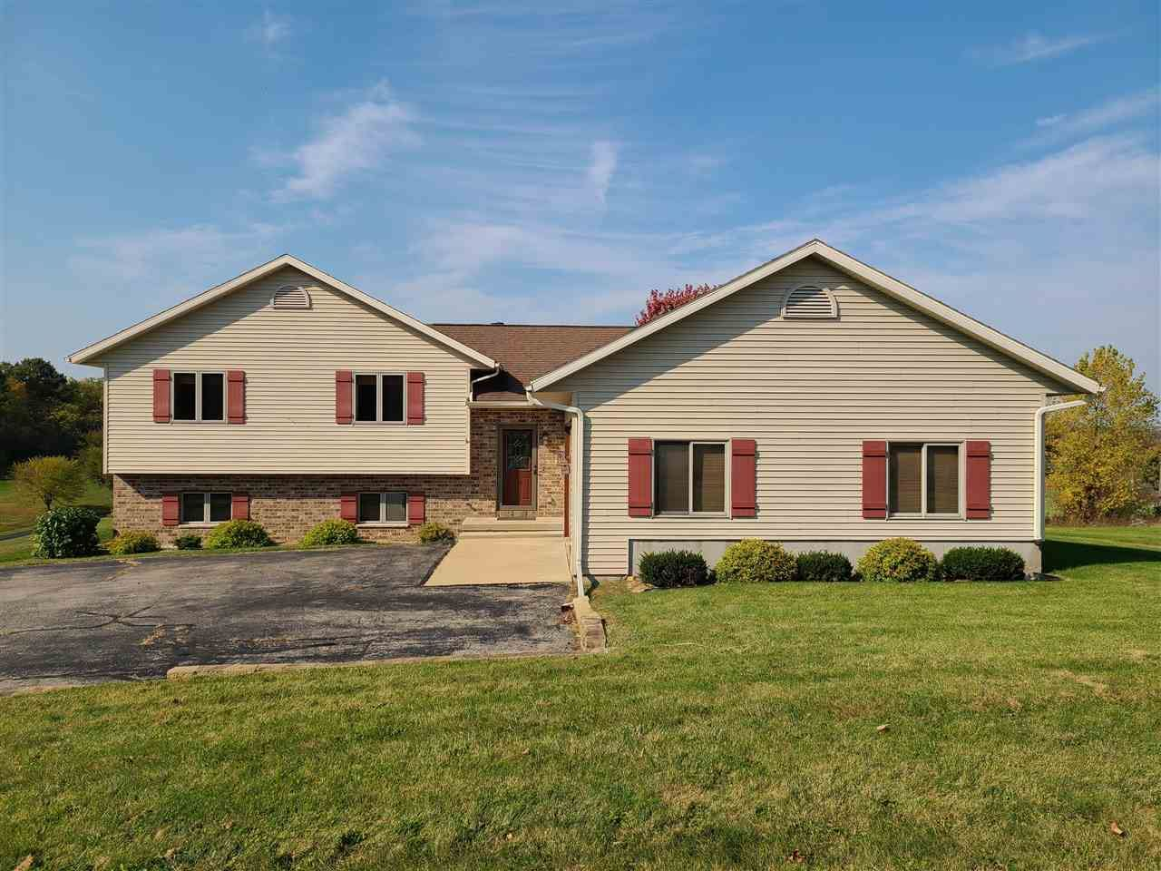 N7965 Valley View Road, New Glarus, WI 53574 - #: 1912481