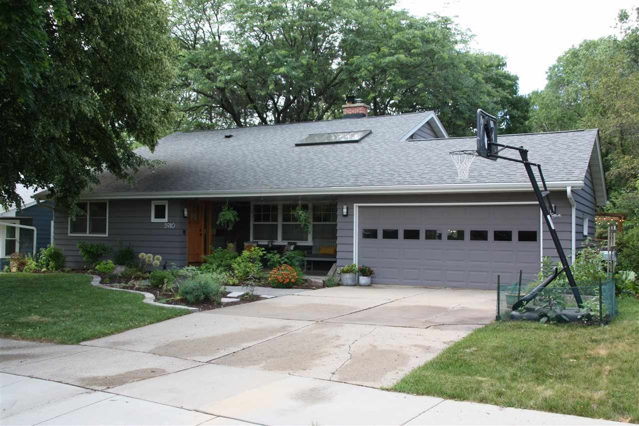 5910 Cable Ave, Madison, WI 53705 - #: 1912487