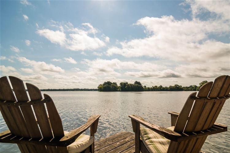 1 Majestic Island, Westford, WI 53916 - #: 1817490
