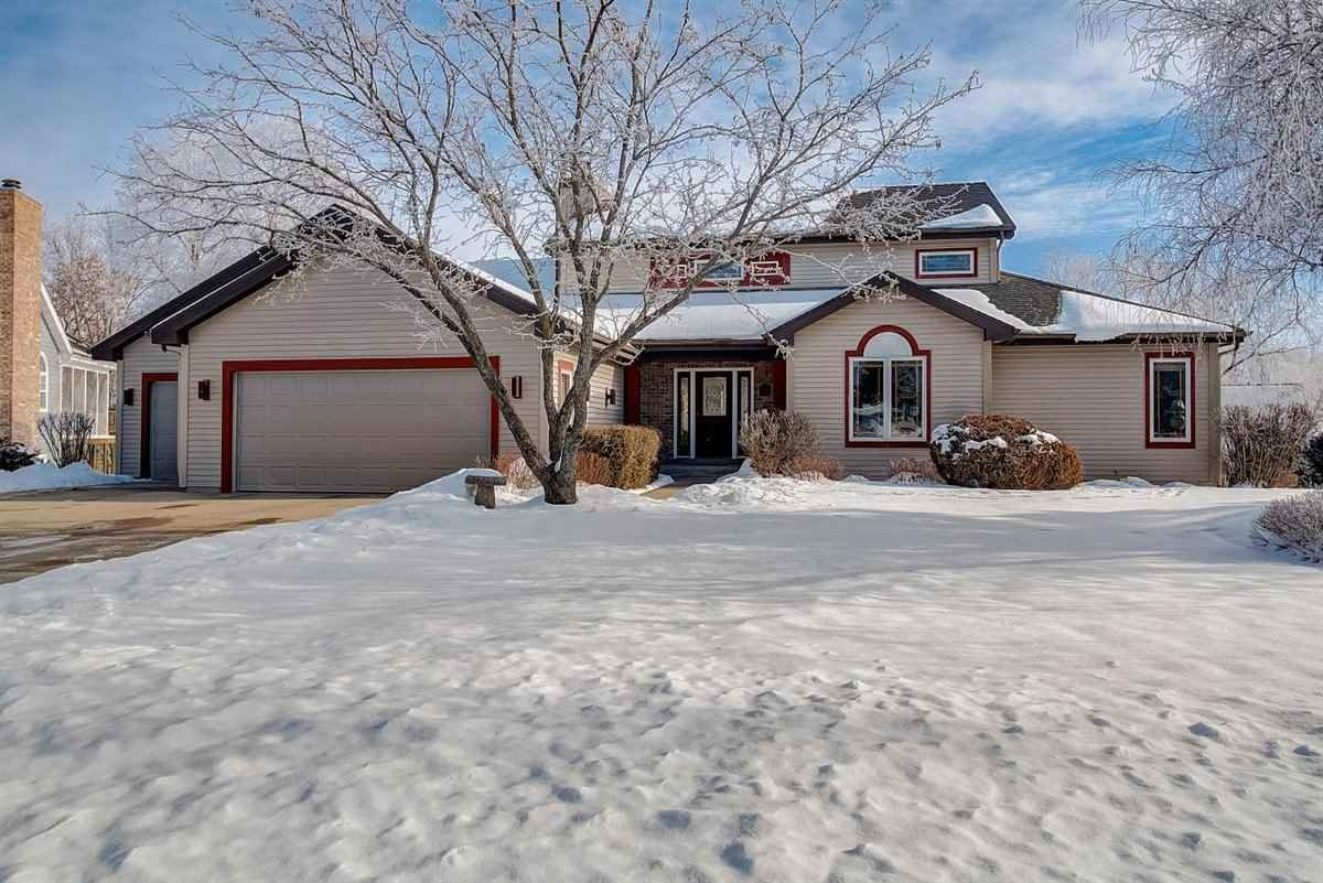 5838 Persimmon Dr, Fitchburg, WI 53711 - #: 1900492