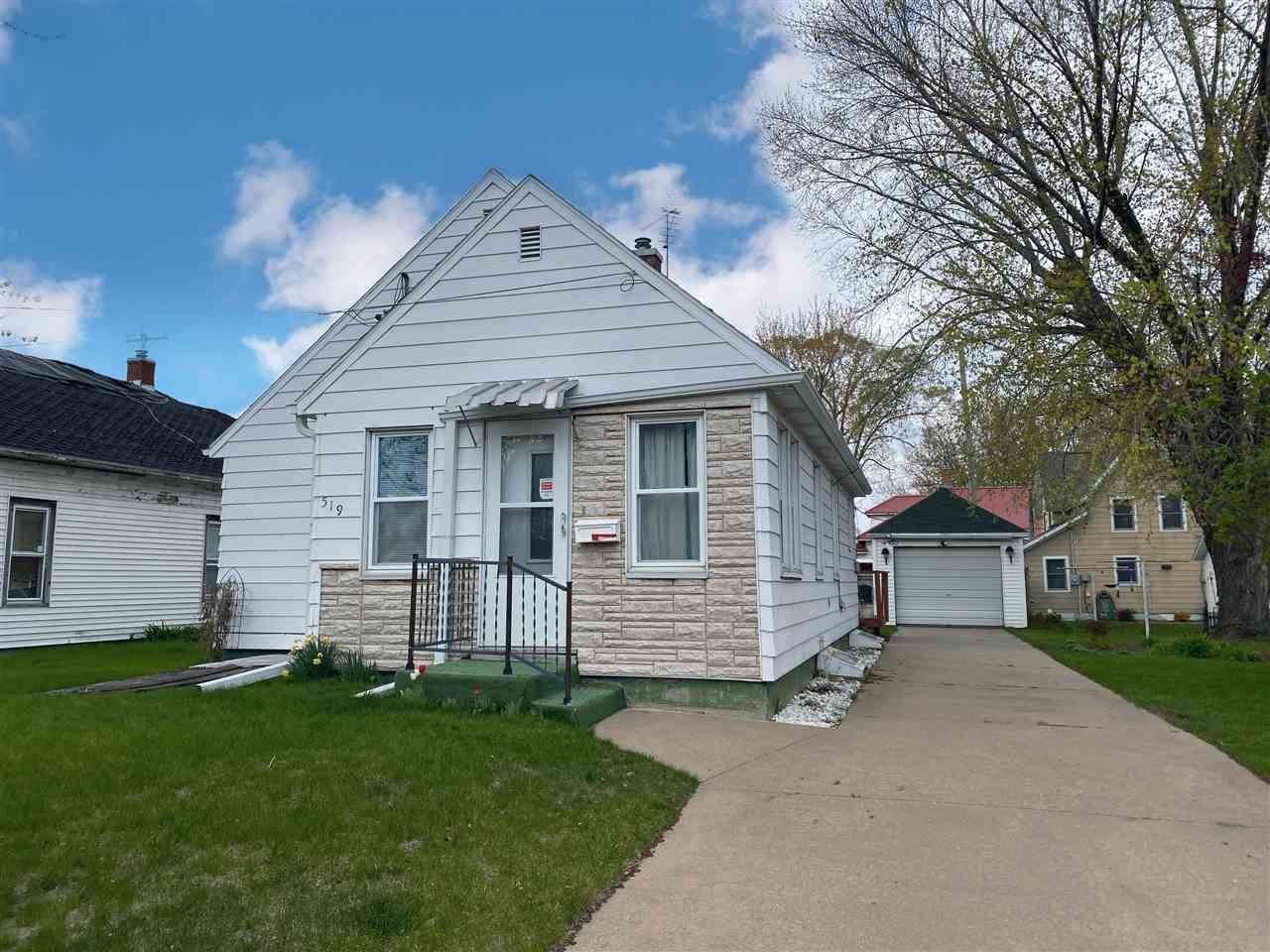 519 E Wisconsin St, Prairie du Chien, WI 53821 - #: 1907496