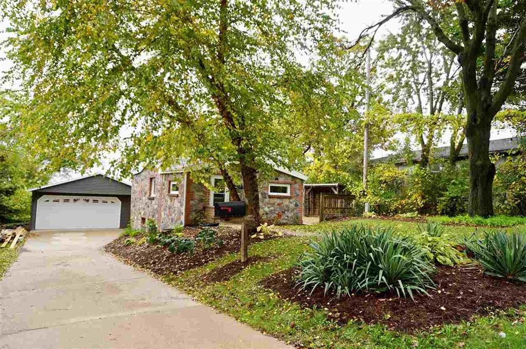 818 Bowman Ave, Madison, WI 53716 - MLS#: 1870497