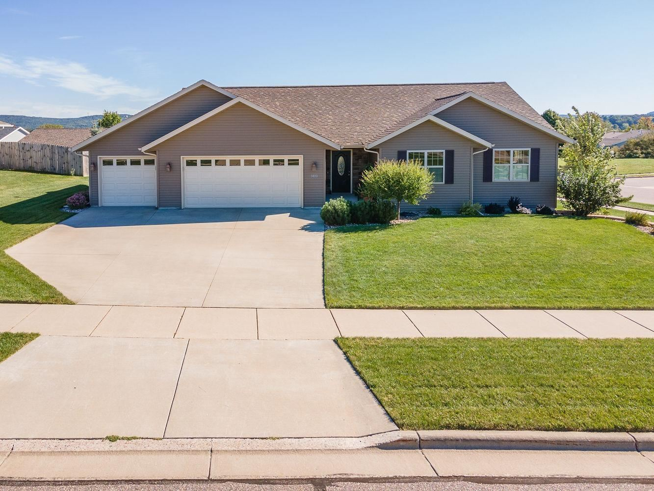1400 Tillberry Dr, Baraboo, WI 53913 - #: 1920503