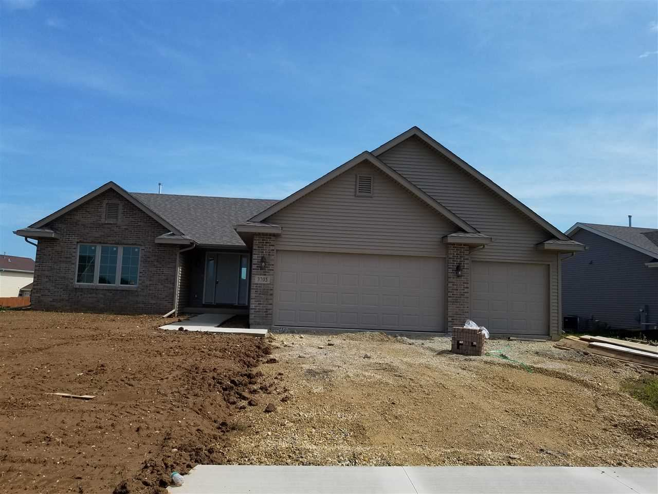 3705 EAGLE RIDGE DR, Beloit, WI 53511 - #: 1883504